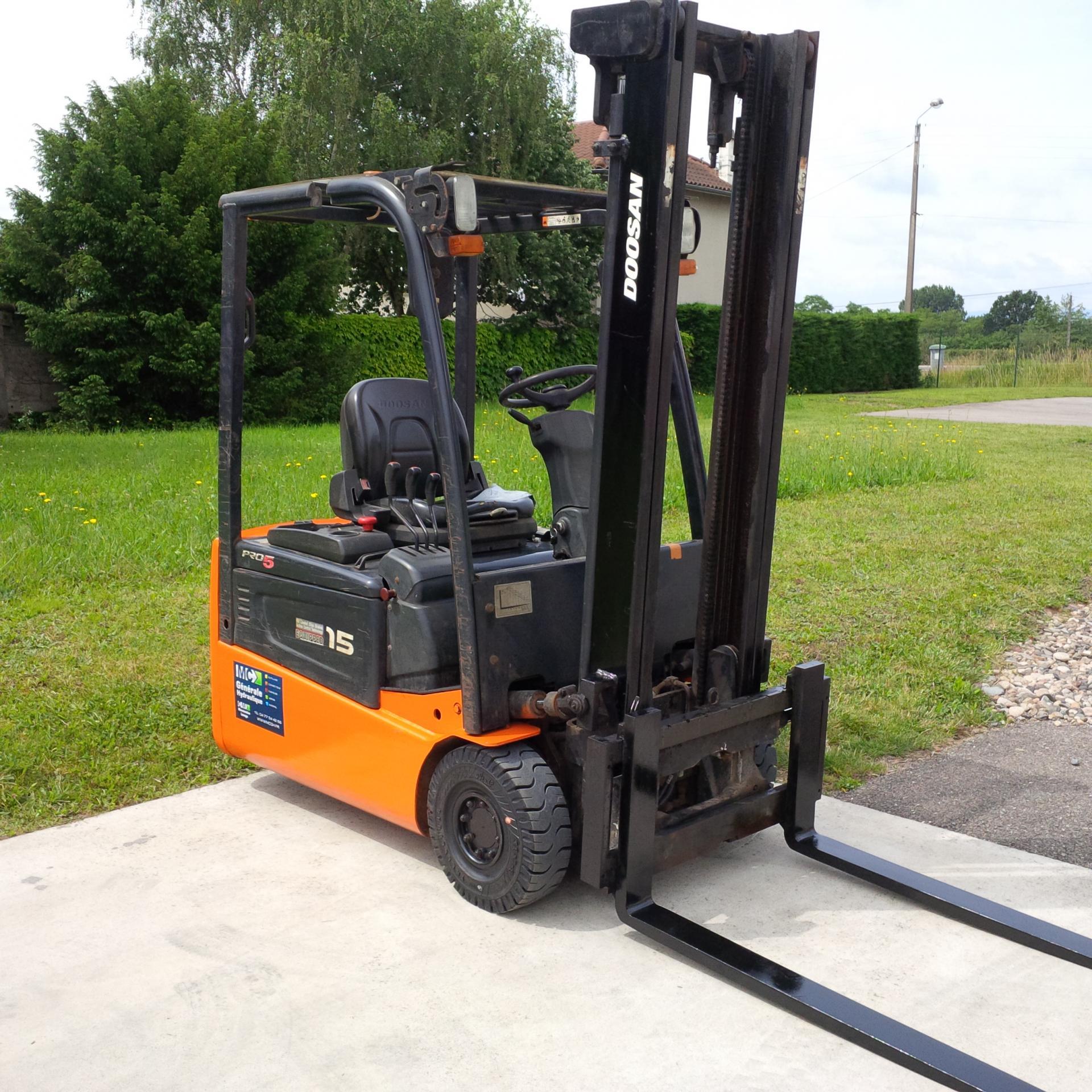 Révision d'un chariot électrique DOOSAN